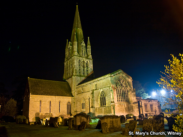 Night photo of St MAry's Church, Witney